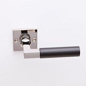 Bauhaus nikkel/ebben op vierkant rozet