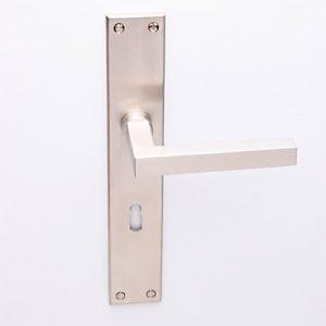 Loevy matnikkel op Bauhaus schild met sleutelgat