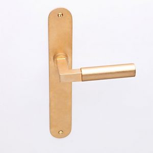 Bauhaus oud messing op ovaalschild blind