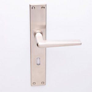 Burchartz matnikkel op Bauhaus schild met sleutelgat